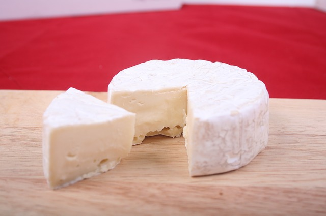 eating brie cheese when pregnant