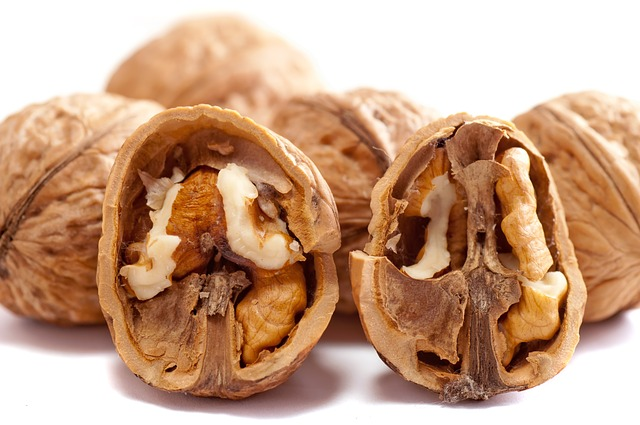 can i eat walnuts during pregnancy