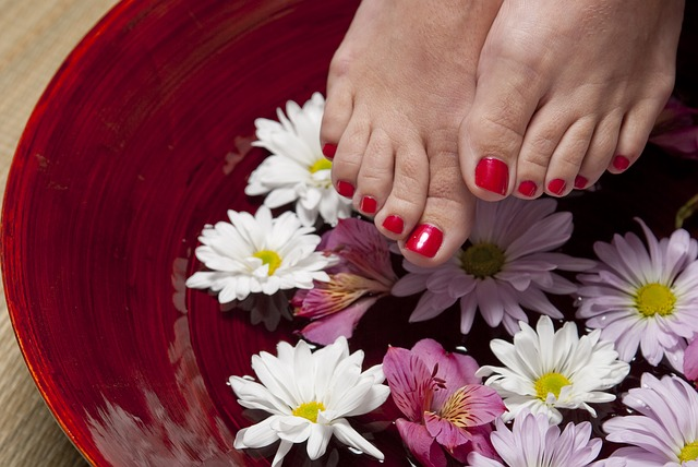 pedicure manicure during pregnancy
